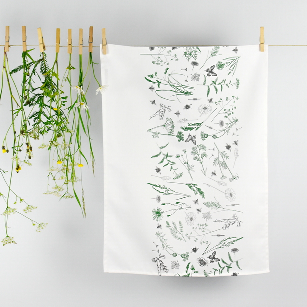 TEA TOWEL GREEN MEADOW