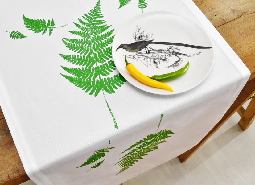 GREEN FERN TABLE RUNNER