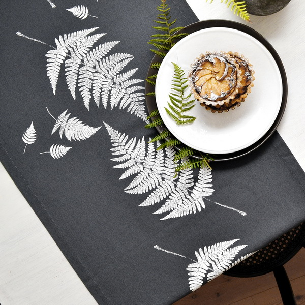 WHITE FERN TABLE RUNNER