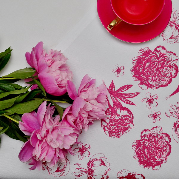 FLOWER TABLE RUNNER